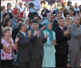 NCRI President-elect Maryam Rajavi with guests - Auvers-Sur-